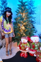 gold Forever 21 accessories - gray Nichi shorts - brown Vincci shoes - brown vin