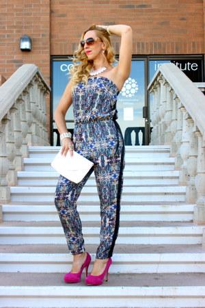 white H&M bag - hot pink suede pumps Shoedazzle pumps - blue Ali & Kris jumper