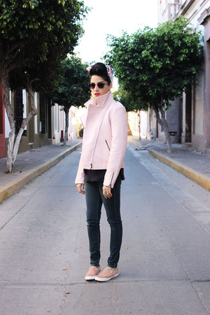 light pink faux leather thats it jacket - navy jeggings Levis jeans