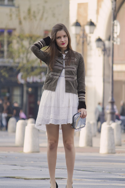 dark green military jacket SANDRO jacket - white diabless dress