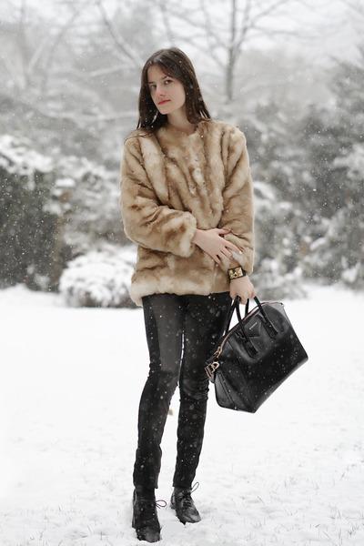 black antigona Givenchy bag - beige faux fur personal creation coat