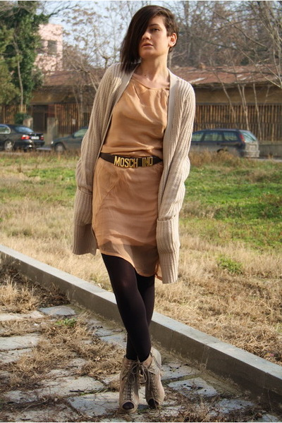 beige boots - nude dress - beige cardigan - dark brown vintage Moschino belt