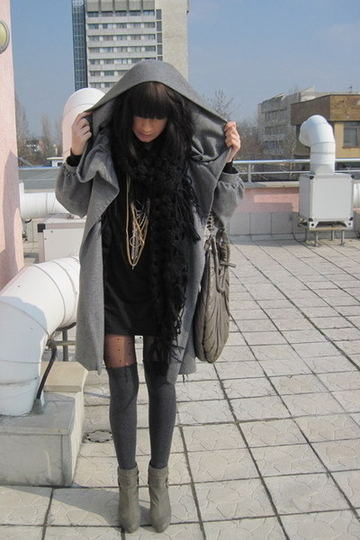 black H&M scarf - gray Stradivarius boots - black American Apparel dress