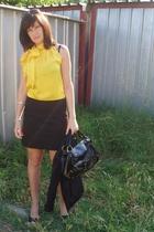 Calliope blouse - Calliope blazer - Zara skirt - Dika purse