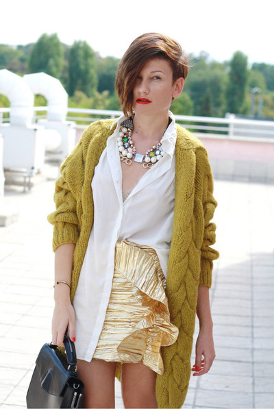 ivory H&M shirt - gold H&M skirt