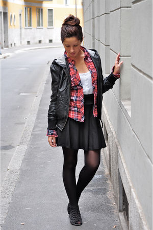 black jacket - red shirt - black H&M skirt