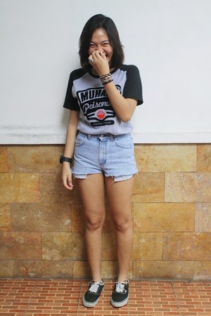 MUHARA shirt - Vans shoes - short denim Lee shorts