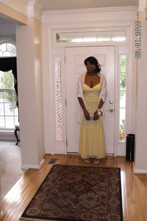 yellow Sean Collection dress - white Collection 18 scarf - silver Preview shoes