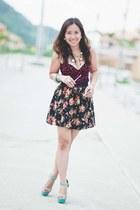 floral print Boosteeyay skirt - Ray Ban sunglasses