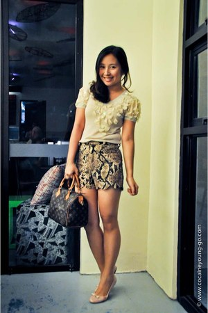dark brown scallop shorts Wardrobe Check shorts - dark brown louis vuitton bag