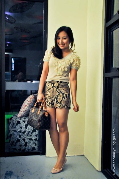 dark brown scallop shorts Wardrobe Check shorts - dark brown louis vuitton bag