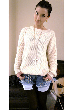 PIXICSCOM sweater - Levis jeans - Low Luv necklace