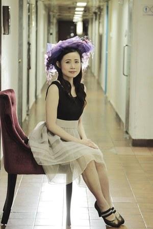 beige Carsley dress - violet Angel Wong Image hat - dark brown Fiorucci heels