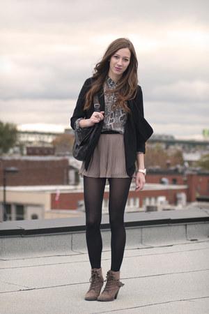 tan sheer H&M shorts - silver snake print Vero Moda shirt