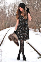 black bird prints H&M dress - black with a flower Forever 21 hat