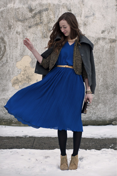 blue pleated vintage dress - tan lace-up Joe Fresh boots - black clutch BCBG bag