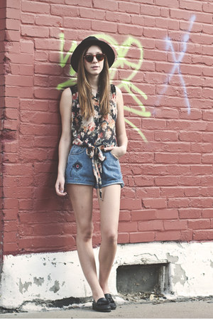 Love top - denim jeans vintage shorts