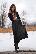 dark brown clogs Payless shoes - black midi vintage skirt