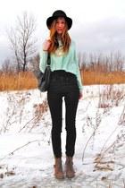 aquamarine cropped H&M sweater - black leather BCBG bag