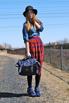 blue Hush Puppies heels - red vintage skirt - blue denim H&M blouse