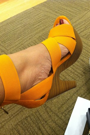 orange bakers shoes heels