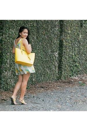 Chiccat dress - Michael Kors bag - Marc by Marc Jacobs watch - Solemate sandals