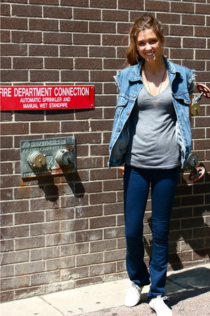 blue dark wash Gap jeans - teal vintage denim Levis vest