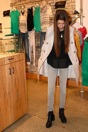 beige trench coat Montcler coat - black Forever21 blouse