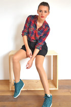 PLAID SHIRT AND WEDGE SNEAKERS