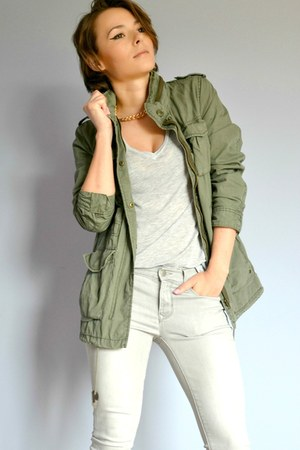 olive green military H&M jacket - tawny shoes - Gap jeans