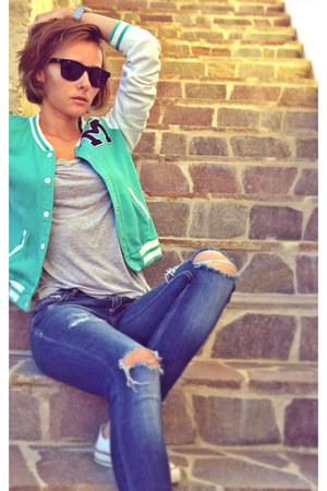 aquamarine baseball H&M jacket - navy ripped Stradivarius jeans