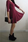 Black-boots-maroon-hm-dress-black-hat-black-box-handbag-purse