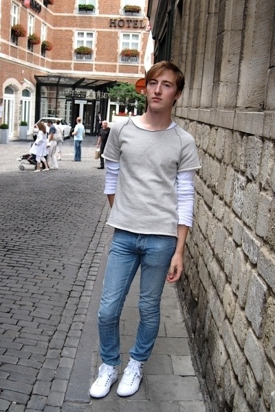 silver COS t-shirt - white COS t-shirt - light blue Topman jeans - white Zara sh