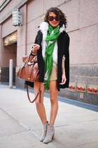 Zara scarf - Zara dress - Bershka coat - Mango bag - Fossil watch