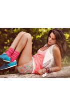 pull&bear shorts - Zara top - Calzedonia vest