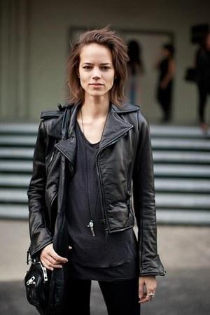Mango jacket - H&M shirt - Bershka bag - Zara pants