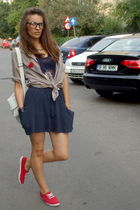 vintage shirt - Zara skirt - taily weil top - cheap and chic shoes - bubu access