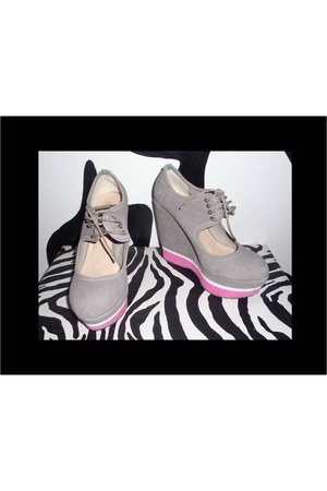 gamuza Caracas Chic shoes