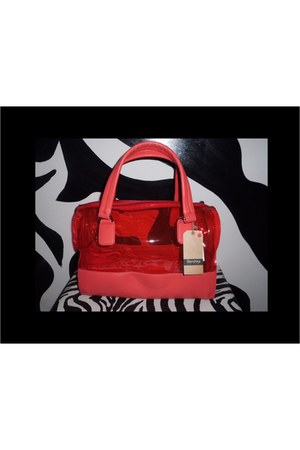 color coral Bershka bag