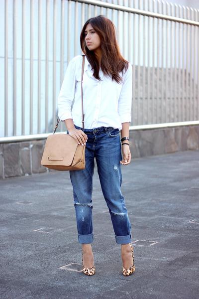 navy boyfriend jeans Zara jeans - white Gap shirt - tan Zara bag