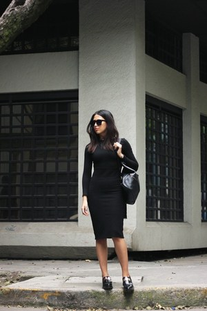 black Zara dress - black bagpack Hare and hart bag - black no brand sunglasses