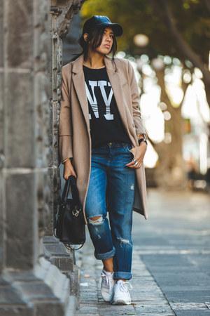 black Forever 21 hat - tan H&M coat - navy boyfriend jeans Zara jeans