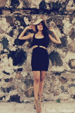 black DIY dress - camel Jeffrey Campbell boots - nude Bershka hat