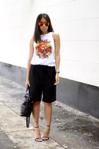 black Zara shorts - white prendas basicas by a t-shirt - black Zara heels