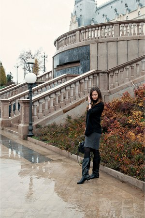 black Stradivarius boots - black Zara sweater - black romwe bag