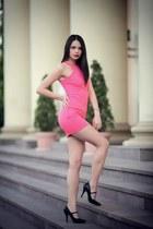 hot pink cotton New Yorker dress - black Stilettos heels