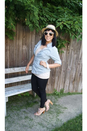 beige Urban Outfitters hat - pink sunglasses - blue shirt - beige Anne Klein top