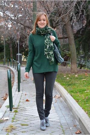green Mango scarf - dark green suiteblanco sweater - periwinkle suiteblanco bag