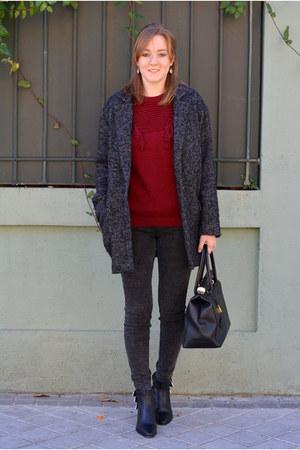 charcoal gray suiteblanco coat - black Adela Gil boots