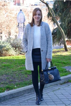 black Renata Corsi bag - periwinkle Lefties coat - ivory Mango sweater